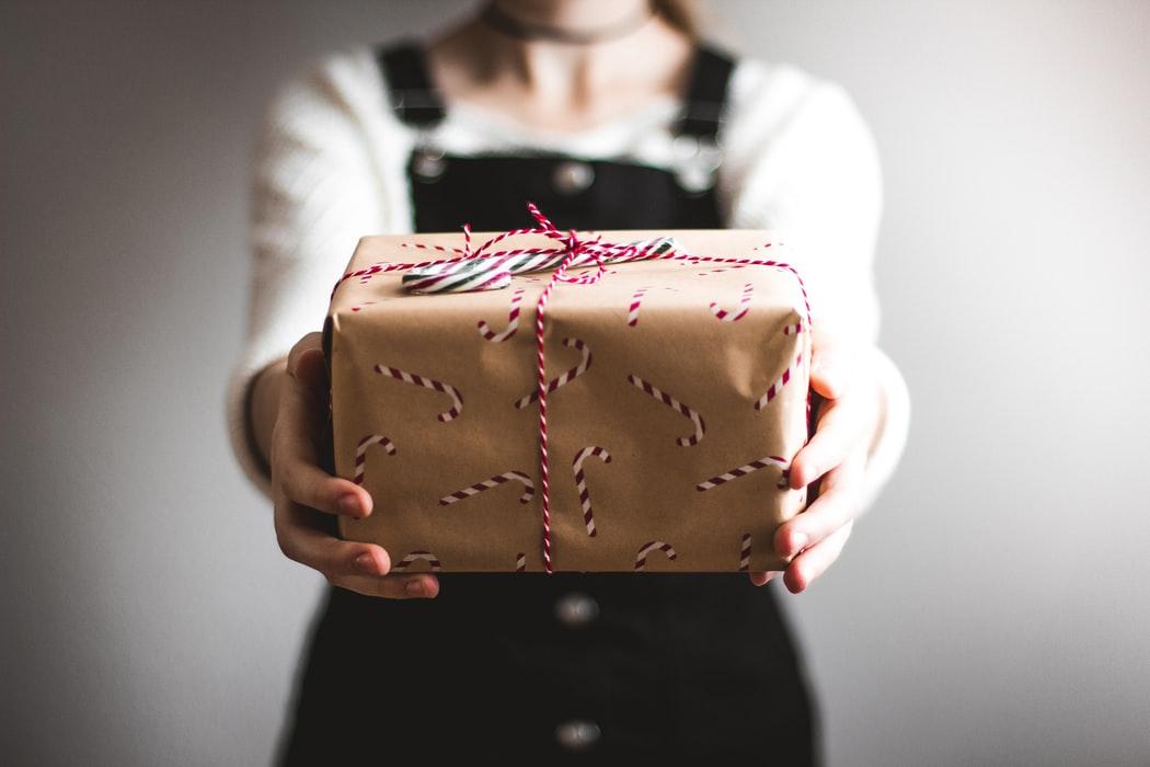 社会人の彼氏へのおすすめプレゼント15選【クリスマス・誕生日・記念日】